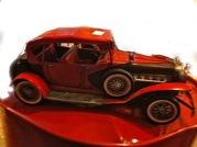 Модель старинного автомобиля