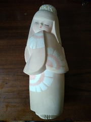 Авторская керамическая статуэтка девушка в кимоно