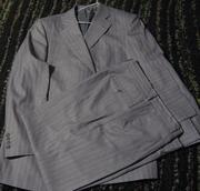 Два мужских костюма