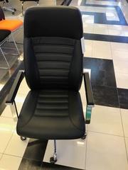Продам новые офисные стулья