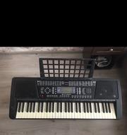 Продам синтезатор б/у.Находится в хорошем состоянии.