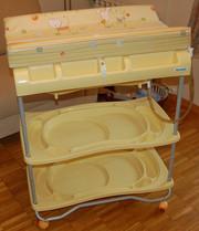 Продам (б/у) детскую ванночку с пеленальным столиком Brevi Atlantis.